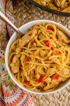 Slimming Eats Bang Bang Chicken Pasta - slimming world and weight watchers friendly - syns or 11 WW Smart Points Slimming World Pasta, Slimming World Dinners, Slimming World Recipes Syn Free, Slimming Eats, Cooking Ingredients, Cooking Recipes, Healthy Recipes, Healthy Meals, Healthy Eating