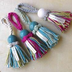 Borlas pequeñas - colores varios - Che María Crochet