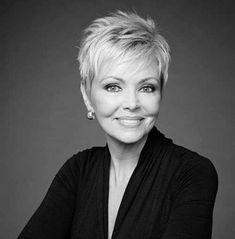 Best Short Haircuts for Older Women - Short Hair Styles Short Hair Older Women, Hair Styles For Women Over 50, Haircut For Older Women, Short Grey Hair, Short Blonde, Short Hair Styles, Modern Short Hair, Mom Hairstyles, Short Hairstyles For Women