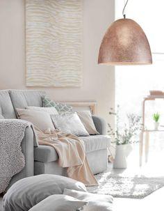 Φωτιστικό κρεμαστό γυάλινο σε ανάγλυφο με χειροποίητη διακόσμηση/decor! #handmade #handmadeluxury #decoration #livingroomideas Decor, Home Decor, Lamp, Lighting
