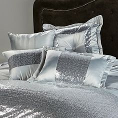 Highgate Manor Royale 4-piece Decorative Pillow Set in Silver | Maleficent Collection
