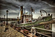 Google képkeresési találat: http://lh4.ggpht.com/_BMcm9WeZTnA/Snaoi0fCqjI/AAAAAAAAAWg/1FT0NJgLBk4/Boat_on_the_River_HDR_by_ISIK5.jpg