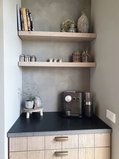 Country Chic Kitchen, Small Farmhouse Kitchen, Decorating Coffee Tables, Coffee Table Styling, Bright Kitchens, Home Kitchens, Coffee Corner Kitchen, Coffee Shop Design, Kitchen Collection
