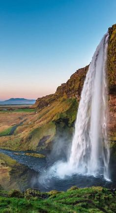 175 Waterfall Quotes to Inspire Nature & Adventure Lovers For a Trip. Best waterfall quotes and awesome waterfall captions for Instagram for you. #waterfallquotes Cool Pictures Of Nature, Beautiful Photos Of Nature, Beautiful Landscapes, Cool Landscapes, Beautiful Nature Photography, Pictures Of Beautiful Places, Scenery Pictures, Beautiful Scenery, Pretty Pictures