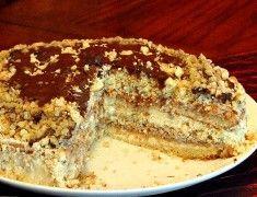 """Торт """"Пища богов""""  Хотя никаких особенных ингредиентов в нем нет, но сочетание нежного сметанного бисквита с орехами, свежими яблоками и сливочным кремом делают вкус торта действительно божественным.    Ингредиенты:        3 яйца      1 ст. сахара      2/3 ст. сметаны      100 г мягкого сливочного масла      1.5 ст. муки      0.5 ч. ложки соды    Крем:        1 б. сгущенки      200 г сливочного масла      3 яблока      1 ст. грецких орехов"""