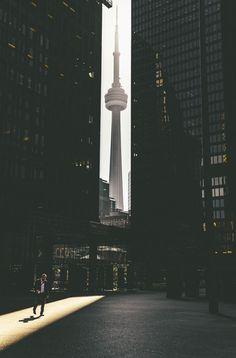 Toronto - Pinned by Mak Khalaf Street photographyTorontoCN by mitsuru_wakabayashi - Canada Travel Toronto Photography, Urban Photography, Street Photography, Travel Photography, Cityscape Photography, Backpacking Canada, Canada Travel, Area Urbana, Toronto Street