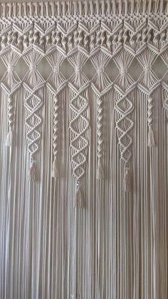 Macrame Wall Hanging Patterns, Macrame Plant Hangers, Macrame Patterns, Macrame Design, Macrame Art, Macrame Projects, Macrame Curtain, Beaded Curtains, Yarn Wall Art