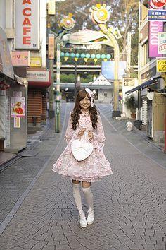 Harajuku street fashion   takeshita street