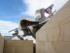 Hotel Marqués de Riscal. Elciego (Rioja Alavesa). Arquitecto: Frank O. Gehry