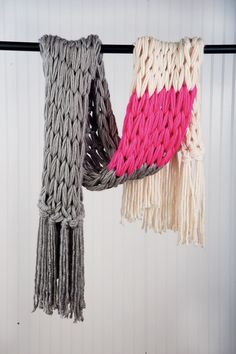 color block arm knitted scarf tutorial