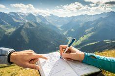 Mindestens 1x wöchentlich begleitet Sie unser professioneller Wanderguide zum sicheren Gipfelsieg. Der Eintrag im Gipfelbuch darf dabei natürlich nicht fehlen :-) Mountain Resort, Travel, Summer Vacations, Viajes, Destinations, Traveling, Trips