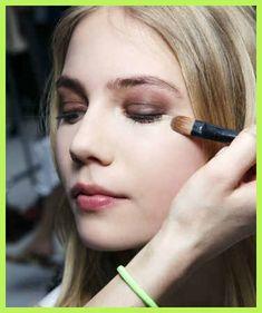 bd58efd40b574 10 Secrets I Learned at Makeup Artist School