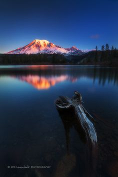 Take a seat, by Dylan Toh & Marianne Lim, on 500px.