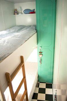 Andere kleur en stijl deur op de wc/kast?