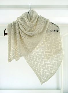 Bamboo Wedding Shawl:::::Made up of a simple, geometric pattern known as Flemish Block Lace, this shawl is perfect for early spring nights when the air still has a slight chill. Free Pattern!