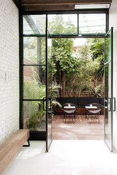Indoor Courtyard, Indoor Garden, Home And Garden, Courtyard Design, Garden Design, House Design, Interior Garden, Home Interior Design, Design Cour