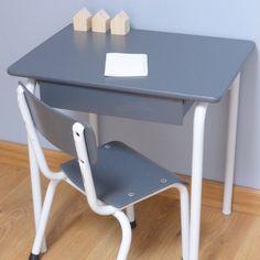Bureau et chaise pour petit écolier sur www.dailykidsfactory.fr