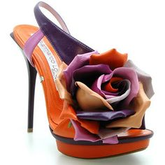 Floral footwear by Gianmarco Lorenzi Hot Shoes, Crazy Shoes, Me Too Shoes, Shoes Heels, Pumps, Talons Oranges, Gianmarco Lorenzi, Louboutin, Kinds Of Shoes