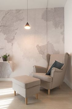 Discover the complete catalogue of GLAMORA products. All the Creative Wallcoverings collections, prices, promotions and official GLAMORA resellers. Home Board, Milan Design, New Wallpaper, Living Room Furniture, Accent Chairs, Armchair, Bedroom Stuff, House, Inspiration