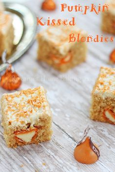 Pumpkin Spice Kiss Blondies