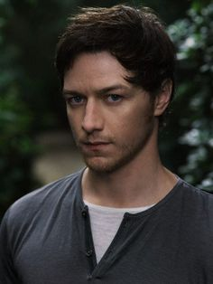 one of only five attractive pictures of james mcavoy on the whole internet.