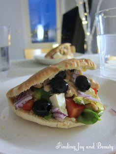 Pita Bread, Greek Salad, Finding Joy, Chicken, Dinner, Health, Ethnic Recipes, Easy, Blog
