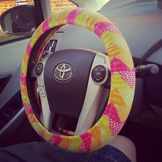 mark this one as sewn! quilted steering wheel cover with in Quilt Blocks fabric from Ellen Baker. super quick project, stitched up in one afternoon.