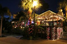 Walt'z Fish Shak: on corner 224 Boardwalk Place John's Pass Village Madeira Beach
