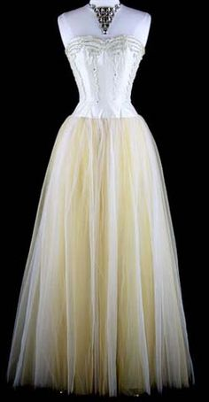 1950's Tulle strapless dress