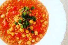 Zupa z ciecierzycą, soczewicą i komosą ryżową. Przepis na blogu :) Chana Masala, Ethnic Recipes, Food, Essen, Meals, Yemek, Eten
