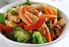 Chicken and Cashew Nut Stir-fry Taste the flavours of the East with this lusciously layered spicy dish. Honey Recipes, Stir Fry Recipes, Cooking Recipes, Healthy Recipes, Freezer Recipes, Healthy Meals, Chicken And Cashew Nuts, Chicken Cashew Stir Fry, Other Recipes