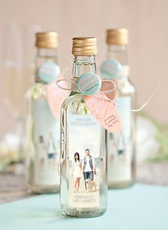 Great and easy ideas on how to make wedding gifts for guests – DIY Hochzeit / … – DIY Geschenke und Hochzeit Wedding Gifts For Guests, Beach Wedding Favors, Unique Wedding Favors, Bridal Shower Favors, Unique Weddings, Wedding Souvenir, Wedding Centerpieces, Bottle Centerpieces, Nautical Wedding