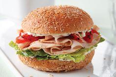 Aprovecha los sobrantes de la cena de Thanksgiving al preparar sencillas (pero súper ricas) recetas de sándwiches.