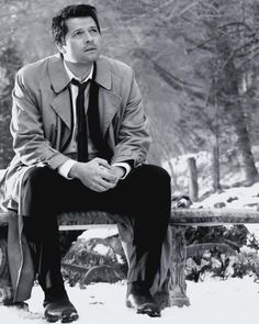 AAW! Don't you just want to give poor sad Cas a hug?!