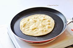 A very soft and puffed up Indian flat bread, Chapathi. Serve with Indian curry, main dishes or even use it to make sandwich wraps. Tasty Vegetarian Recipes, Curry Recipes, Make Naan Bread, Indian Flat Bread, Indian Breads, Yeast Free Breads, Indian Food Recipes, Ethnic Recipes, Indian Dishes