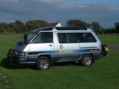 Toyota Master Ace Surf, - I slept in one of these for two months straight in Australia! Motorcycle Camping, Camping Gear, Camper Trailer Australia, Travel Trailer Interior, Toyota Van, Camper Trailers, Campers, Camper Van, Toyota Hiace