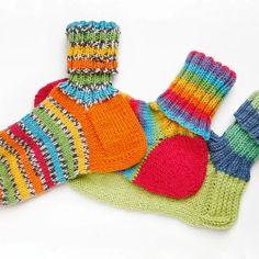 Villasukan kantapää – kolme ohjetta | Yhteishyvä Crochet Socks, Knitting Socks, Knit Crochet, Wool Socks, Boot Cuffs, Crochet Accessories, Handicraft, Fingerless Gloves, Arm Warmers