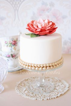 Ivory, peach and gold by Nadines cakes