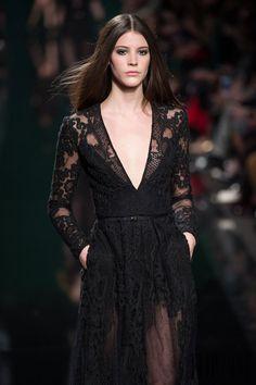 Elie Saab Otoño-Invierno 2014-2015 - Pret a porter - http://es.flip-zone.com/fashion/ready-to-wear/fashion-houses-42/elie-saab-4631 - ©PixelFormula