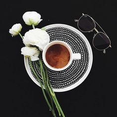 coffee is the key to survival, enjoying the day with your kapten sunglasses | kapten-son.com