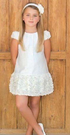 Little Dresses, Little Girl Dresses, Cute Dresses, Beautiful Dresses, Girls Dresses, Flower Girl Dresses, Fashion Kids, Little Girl Fashion, Kind Mode