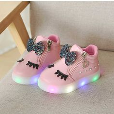 New European hot sales girls boys shoes lighting LED cute glowing baby shoes casual hot sales fashion baby sneakers boots Toddler Sneakers Girl, Baby Sneakers, Girls Sneakers, Toddler Shoes, Boys Shoes, Shoes For Kids, Sports Shoes, Cute Baby Shoes, Baby Girl Shoes