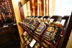 Whisky ist so etwas wie der Picasso unter den Spirituosen. #Schnaps - ist es wirklich nur was für alte Opas, oder kann es auch #Hipster interessieren? #Tirol #Gastronomie #Spirituosen #Obstler #Likör #Tradition #Kulinarik #Schnapsbrennen