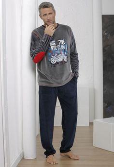 db6ace98f Pijama de hombre combinado en terciopelo.  pijama  hombre  terciopelo. Lencería  Tiffany