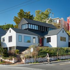 SAW has renovated a residence by duplicating its layout and stacking it over the original, raising the home so it looks over San Francisco's landmarks.