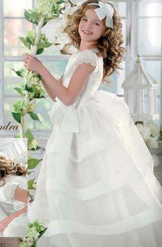 Resultado de imágenes de Google para http://www.recuerdosparacomunion.com/images/vestidos_comunion/el_corte_ingles/vestido_comunion_2012_5.jpg