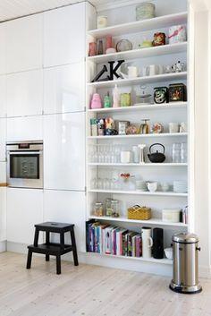 Åbne køkkenhylder