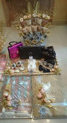 Discover thousands of images about Glamorous looks Wedding Gift Baskets, Wedding Gift Wrapping, Engagement Gift Baskets, Wedding Crafts, Diy Wedding, Wedding Decorations, Wedding Ideas, Indian Wedding Gifts, Bengali Wedding