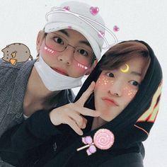 Jungkook and Taehyung Foto Bts, Bts Photo, Taekook, Namjin, Bts Taehyung, Bts Bangtan Boy, Wattpad, K Pop, Icons Tumblr