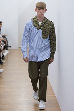 See the complete Comme des Garçons Shirt Spring 2017 Menswear collection.
